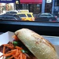 Снимок сделан в Num Pang Sandwich Shop пользователем June S. 11/5/2011