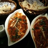 Das Foto wurde bei Lotus Land South Asian Food von Guang Y. am 5/8/2011 aufgenommen