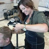 Photo prise au capelli salon par Erin p. le8/19/2011