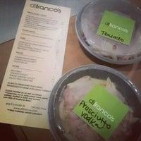 Foto tirada no(a) DiFranco's por brandi s. em 6/19/2012