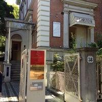 Das Foto wurde bei Café Einstein Stammhaus von Fabio T. am 8/26/2012 aufgenommen