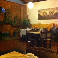 Foto scattata a Restaurante Tony da Maria Fernanda R. il 4/25/2012