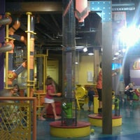 รูปภาพถ่ายที่ Omaha Children's Museum โดย Amber C. เมื่อ 6/27/2012
