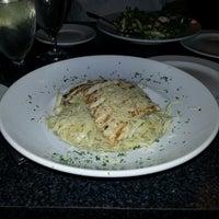 Foto tomada en Scuzzi's Italian Grill por Traci M. el 7/24/2012