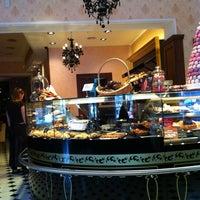 Снимок сделан в Круассан-кафе пользователем Дмитрий К. 5/31/2012