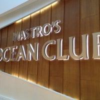 Снимок сделан в Mastro's Ocean Club пользователем Tricia B. 5/26/2012