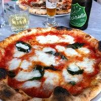 รูปภาพถ่ายที่ Settebello Pizzeria โดย Jenna เมื่อ 8/25/2012