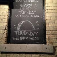Foto tirada no(a) The Irish Pub por Patrick Q. em 4/1/2012