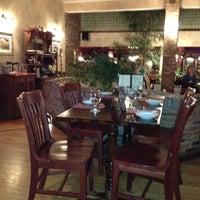 3/16/2012にLarry W.がPhoebe's Restaurant and Coffee Loungeで撮った写真
