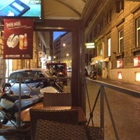 Foto scattata a George Byron Cafe da James S. il 3/12/2012