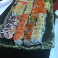 6/20/2012 tarihinde Sibelziyaretçi tarafından SushiCo'de çekilen fotoğraf