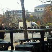 Photo prise au Starbucks Coffee par Andres A. le12/2/2011