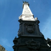 Foto scattata a Piazza San Domenico Maggiore da Mariela il 1/28/2012