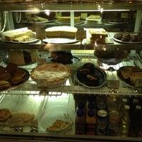 Photo prise au Back to Eden Bakery par Sarah A. le10/17/2011