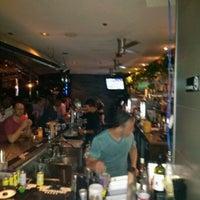 Снимок сделан в Solas Lounge & Rooftop Bar пользователем Andrei D. 6/17/2012