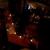 Foto tirada no(a) Poco Wine + Spirits por K!K em 9/9/2011