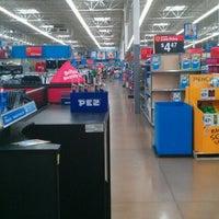 Foto scattata a Walmart Supercenter da Alex L. il 8/24/2011