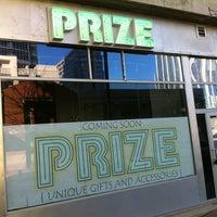 รูปภาพถ่ายที่ PRIZE: An Urban Department Store โดย Lisa B. เมื่อ 3/6/2011
