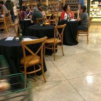 Foto scattata a Central Market da Rick A. il 5/12/2012