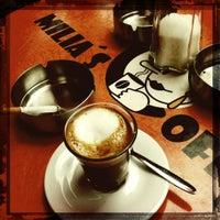 Foto tirada no(a) Milia's Coffee por polakueche em 6/26/2012