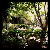 Снимок сделан в Arlequin Cafe & Food To Go пользователем Kyle M. 9/10/2012