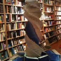 Foto tirada no(a) BookCourt por Damien B. em 1/1/2011