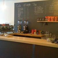 Foto diambil di Fixe Café Bistro oleh Nic B. pada 12/1/2011