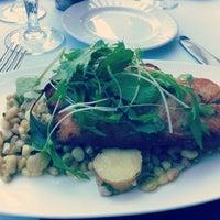 รูปภาพถ่ายที่ Aria Restaurant โดย Cyndi Z. เมื่อ 4/29/2012