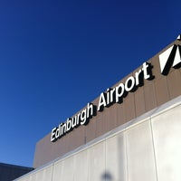 Foto tirada no(a) Edinburgh Airport (EDI) por Mike J. em 1/9/2012