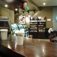 2/17/2012 tarihinde Alexandr U.ziyaretçi tarafından Starbucks'de çekilen fotoğraf
