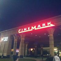 Das Foto wurde bei Cinemark Egyptian 24 von Kristen B. am 7/3/2012 aufgenommen