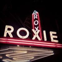 Снимок сделан в Roxie Cinema пользователем Gus D. 5/8/2012