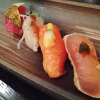Photo prise au Sushi Yasaka par Julie Q. le1/29/2012
