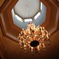 Foto scattata a Crystal Ballroom da Dale C. il 5/30/2012