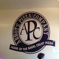 Photo prise au Abbot's Pizza Company par Ruben S. le6/3/2012