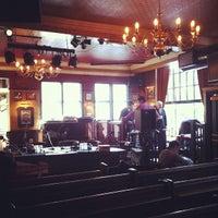 2/25/2012 tarihinde Coen J.ziyaretçi tarafından The Florin'de çekilen fotoğraf