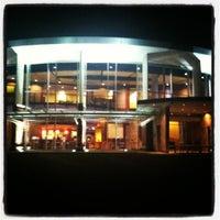 10/19/2011にAdam B.がMurray-Aikins Dining Hallで撮った写真