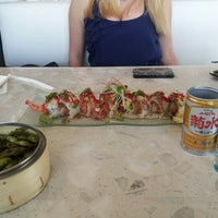 Foto scattata a Amici Sushi da Michael M. il 8/18/2012