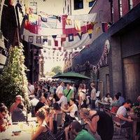 Foto scattata a Maltby Street Market da Paul L. il 9/8/2012