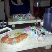 Foto tomada en Cherin Sushi por Tara R. el 7/12/2012