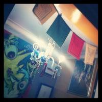 Foto diambil di Bellavista Hostel oleh Fernanda C. pada 8/22/2012