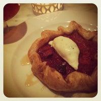 Снимок сделан в Cakes & Ale Restaurant пользователем Maja I. 4/22/2012