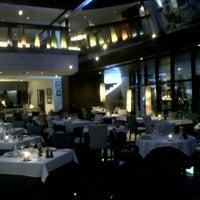5/8/2012 tarihinde Nuke N.ziyaretçi tarafından The Reflexions Modern French Restaurant'de çekilen fotoğraf