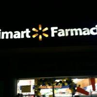 Foto tomada en Walmart por Liz N. el 7/30/2012