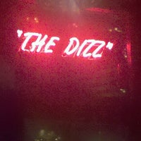 Photo prise au The Dizz par Laura C. le7/10/2012