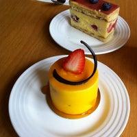 Photo prise au Sunflour Bakery & Café par Rimi C. le3/22/2012