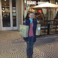 Das Foto wurde bei Blanc et Rouge von Ruslan A. am 2/15/2012 aufgenommen