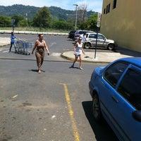 Foto diambil di Mas X Menos oleh Felipe C. pada 4/13/2012