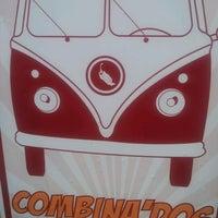 Das Foto wurde bei COMBInados, Tacos, cortes y + von Irving C. am 6/26/2012 aufgenommen