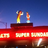 Photo prise au Superdawg Drive-In par E S. le6/26/2012
